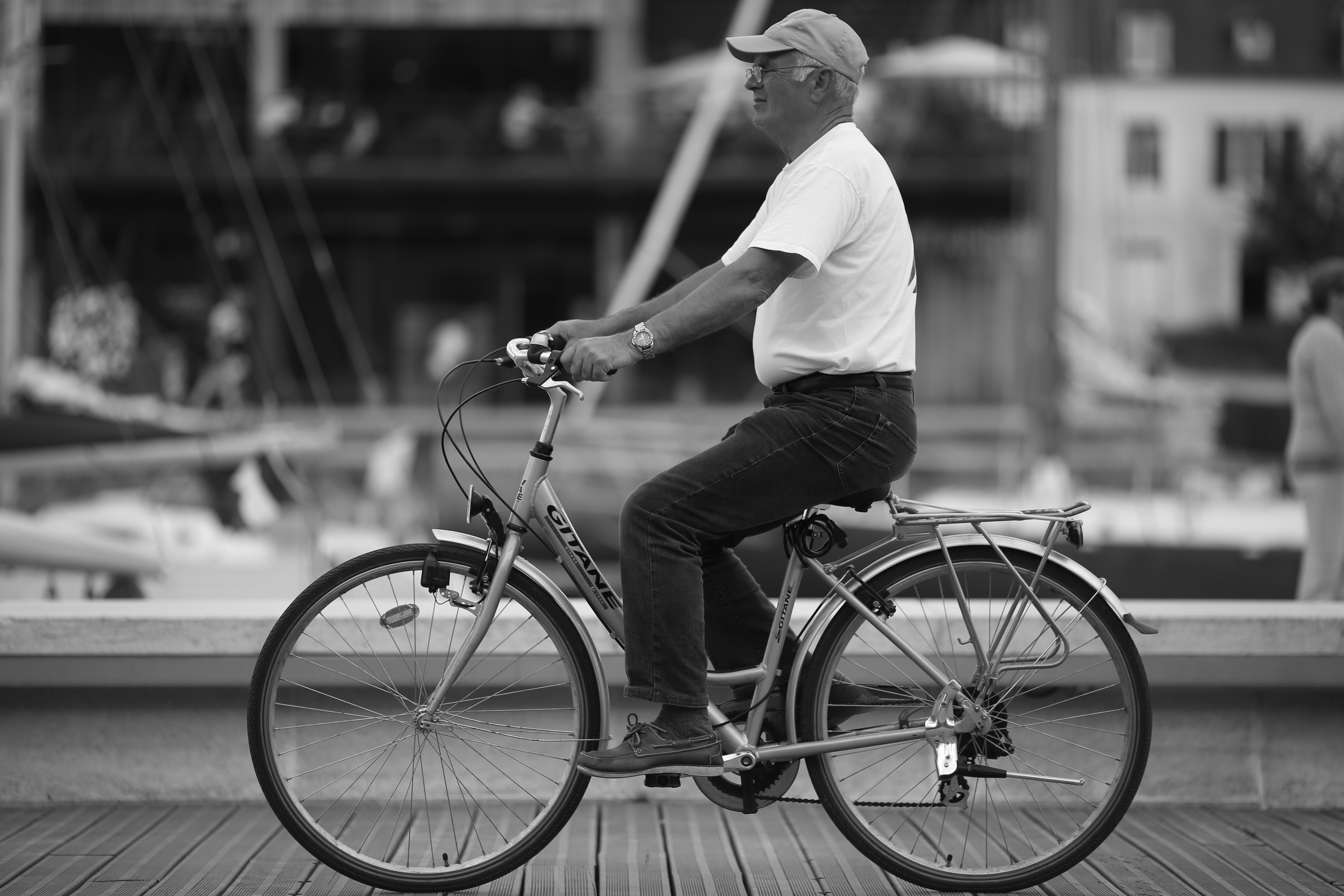 Four Bar Linkages Diagram Of Components On A Bike In French Institute For Man Riding Bicycle At The Port Vannes Brittany North West France Image Source Flickr By Alexandre Dulaunoy Cc 20